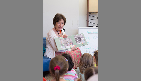 Linda Birnbaum Reads to Children