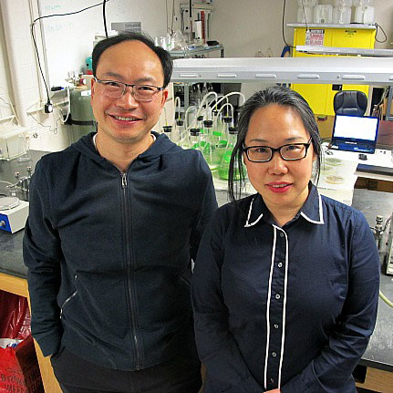 From left: Award winners Shi and Zhang are leading an innovative effort to advance methods for detecting and monitoring water contaminants.